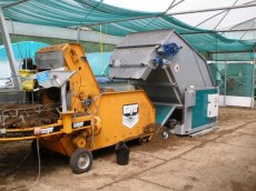Meyer potting machine and big bale breaker